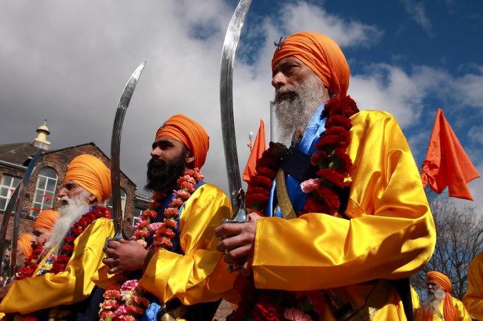 Сикхи: первый народ, который начал носить в Индии подштанники и дал женщине права.
